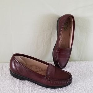 SAS comfort shoes loafers flats burgundy 6.5M